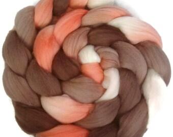 Handpainted Superfine Merino Wool Roving - 4 oz. RETRO GIRL - Spinning Fiber