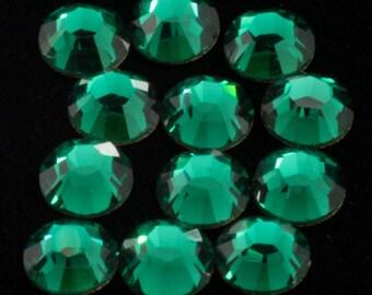 Swarovski 2058/2088 Emerald Flatback Rhinestones