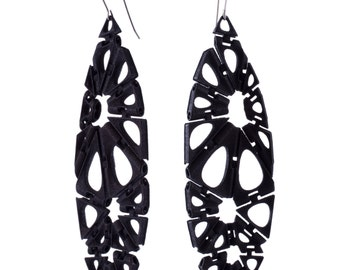 Smooth Kinematics 18e earrings