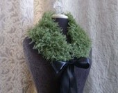 Sidecar Collar in succulent green - One of a Kind