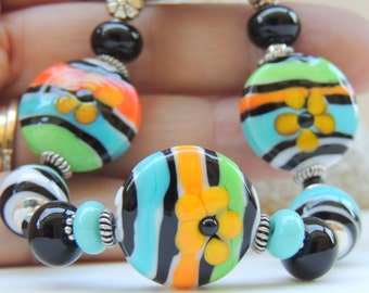 PETALS Handmade Lampwork Bead Bracelet