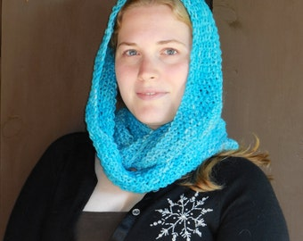Turquoise Blue Infinity Loop Wool Scarf - Warm Hand Knit Moebius