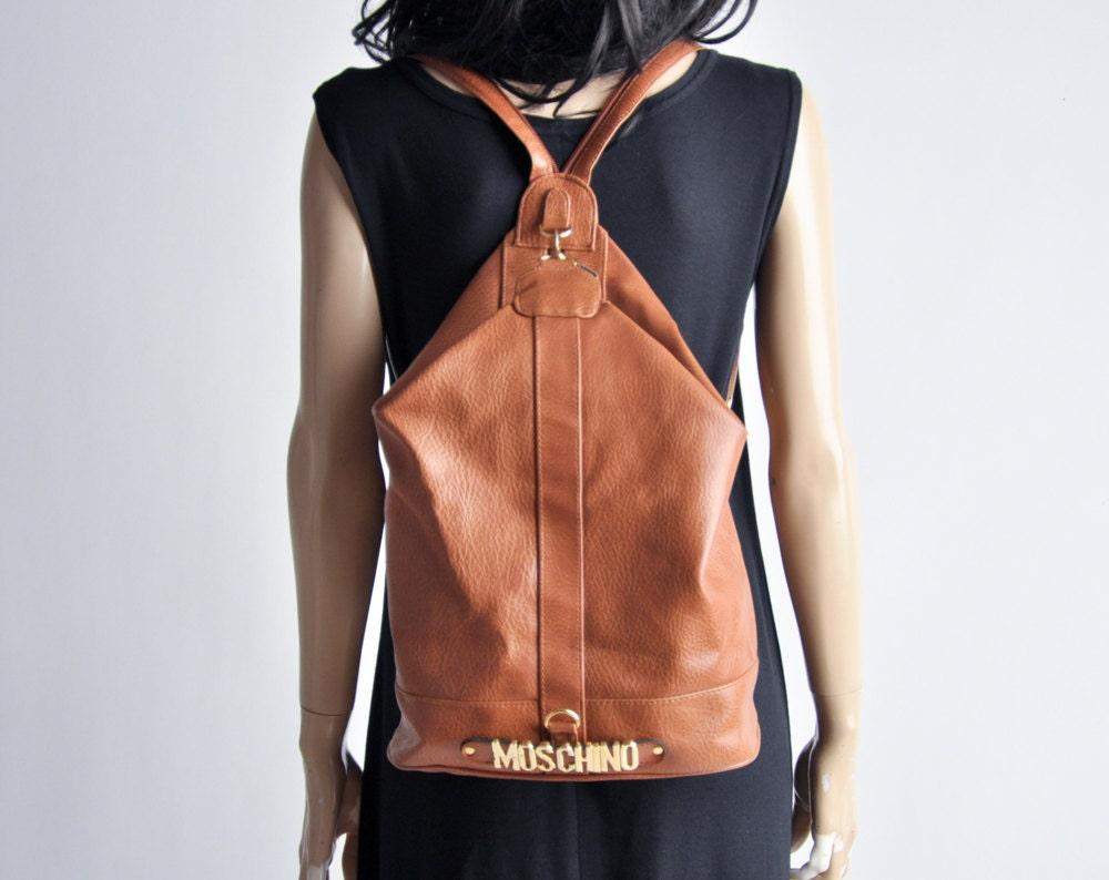 sac dos de cuir demi moschino sac dos sac main. Black Bedroom Furniture Sets. Home Design Ideas