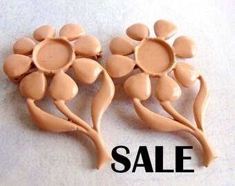 Vintage Peach Enamel Flower Brooch (4X) (E593) S A L E - 90% off