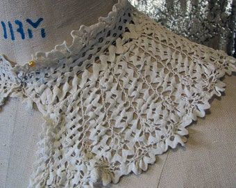 Antique Lace Collar | CROCHET RICRAC Neck Ruffle| Beautiful Condition| Handmade| Rickrack Joined by Fine Crochet / Costume, Fashion, Couture