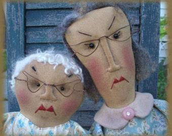 Primitive Moody Old Lady Dolls and purses Mood Swing Ladies Epattern