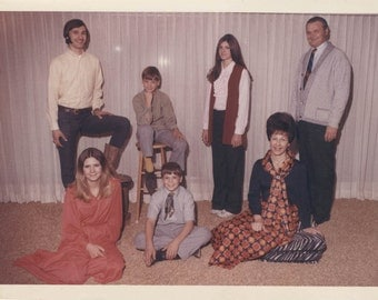 Vintage photo color photo 1970s Brady Bunch Like Family Color Amazing Outfits Spaced out