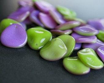 Funky Orchid 14mm Rose Petal Czech Glass Bead  : 12 pc