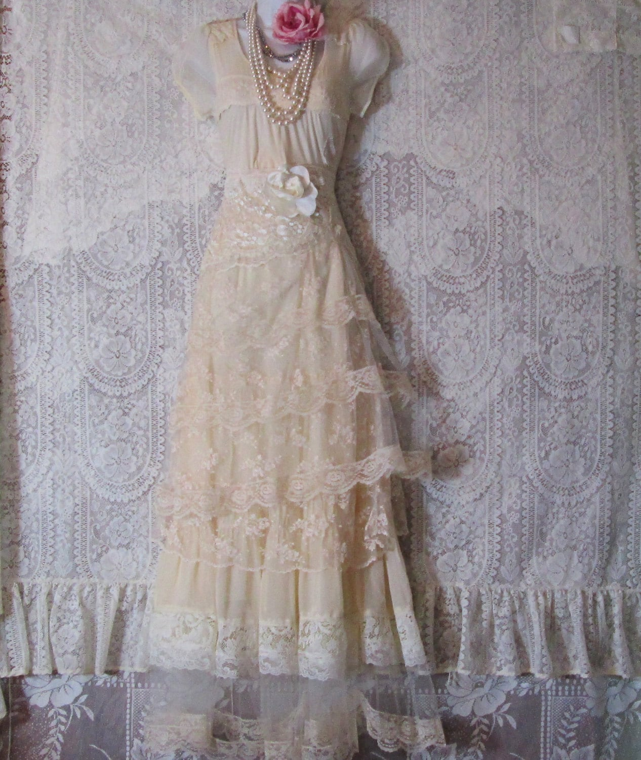 Cream Wedding Gown: Cream Wedding Dress Vintage Lace Tulle Rose Romantic Small