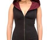 Pacha Play Womens Lyra Vest- black with Maroon Hood