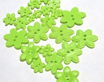 37 lime green flower shape plastic buttons in assorted sizes new destash supplies for crafting and sewing