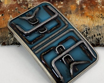 ultimate staple buckle in blue