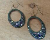 Earrings Enameled earrings oval drop green speakled / copper enameled