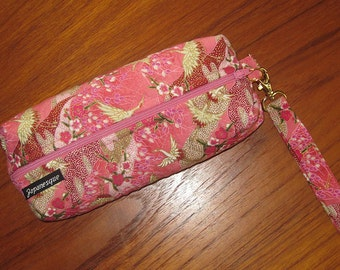 Japanese Flying Cranes Design Cosmetic or Art Supplies Zippered Quilted Pouch with Wrist Strap Pink
