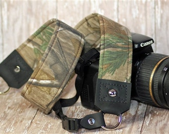 Padded Camera Strap for DSLR  -Premier Edition Real Tree Camo