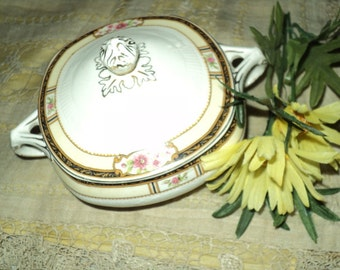 Lovely Vintage Off White Square Shabby Chic Covered Sugar Bowl