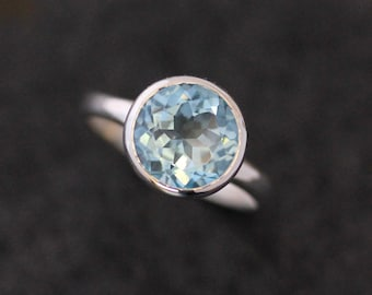Cocktail Ring in Sky Blue Topaz, Blue Topaz Solitaire Ring, December Birthstone Jewelry, Everyday Ring, Statement Ring