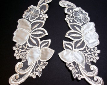Lace Collar, Antique Ivory Venice Lace and Satin Applique Collar, Set of 2 Pieces