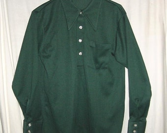 Vintage 70s Mens Green Poly Knit Disco Shirt M Long Sleeved Pullover