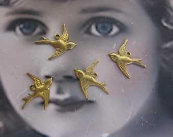 Raw Brass Sparrow Charms 307RAW x4