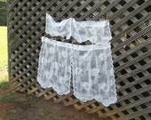 Vintage Lace Curtains White Lace Cafe Curtains Window Treatment Lace Valance French Country Prairie Farmhouse Cottage Chic 3 Pieces