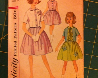 Vintage Girls fit-and-flare Dress Pattern size 10 from the 1960's