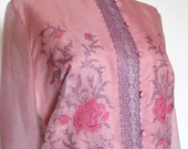 1970s Alfred Shaheen Dress - Button Front Shirt Dress Roses Floral Pattern Dusty Pink Stand-up Collar