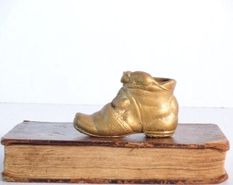 Grubby Little Gold Shoe with Mice..Little Gold Shoe..Air Plant Holder..Little Grubby Shoe