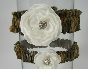 Bridal Garters,  Hunter Camo and Ivory Rose Garter Set  L082, wedding accessory