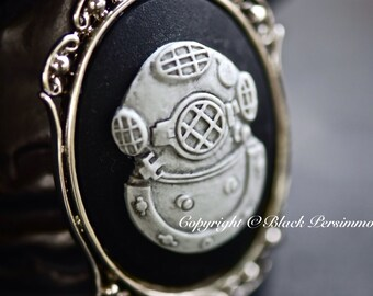 Deep Sea Diving Helmet Gothic Necklace - Grey Black Steampunk Cameo - Free Domestic Shipping - 2 Setting Colors
