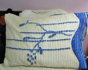 WHITE & BLUE BEACH Grass Pillow Cover Sham, Wavy Raised Tufts Vintage 1930s Chenille Bedspread, End Ties Peony Back Sofa Bed Accent 22 x 29