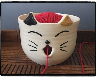 Calico Cat Yarn Bowl by misunrie