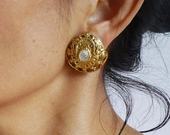 SAPHO French Vintage Gold Plated Clip on Earrings