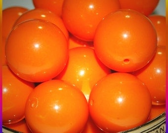 Vintage Lot of 10 SPECTACULAR Bright Orange Lucite Beads 22MM  D3