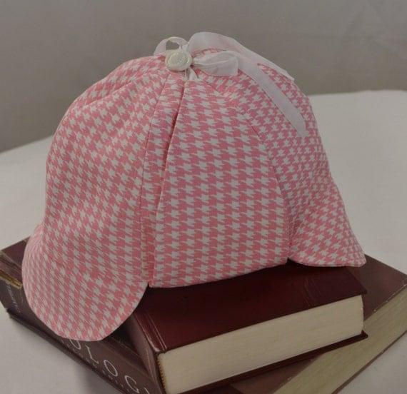 deerstalker hat in pink houndstooth ms