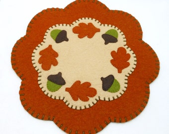 Fall / Thanksgiving Oak Leaf and Acorn Design Penny Rug  - 13""