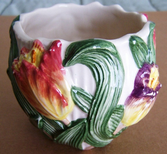 Fitz And Floyd Small Pottery Vase With Tulip Design
