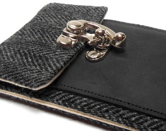 iPhone 6 / 7 / 7 Plus wallet - black and gray herringbone