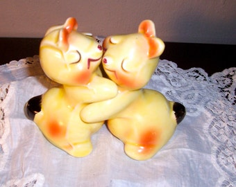 Clearance 1947 Van Telligan Bendal / Salt and Pepper Shakers / Bunny Hugs / Signed / Copyrighted / Signed Collectible/Figural