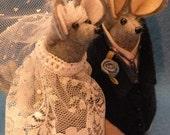 Bride and Groom Felt Mouse Wedding Cake Topper decoration  soft sculpture