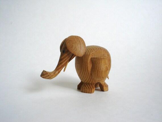 Elephant toothpick holder vintage wood wooden by lheurebleue - Wooden pocket toothpick holder ...