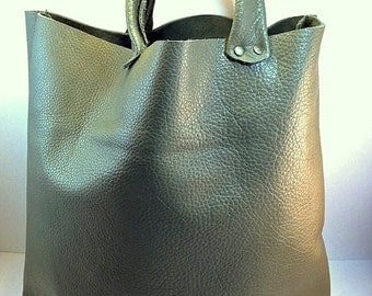 Made to Order: Leather, Medium Bucket Tote, in Moss Green