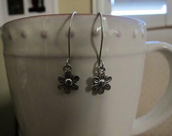 Sterling Silver Tiny Daisy Earrings