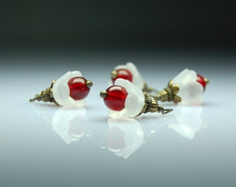Vintage Style Bead Dangles White and Red Lucite Flowers Set of Four R411