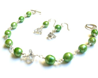 Green Freshwater Pearl Bracelet and Earring Set
