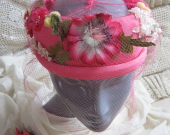 Vintage happy pink pillbox hat, halo hat with pink flowers and netting, Mad Men retro midcentury pink summer hat, pink flowers Easter hat