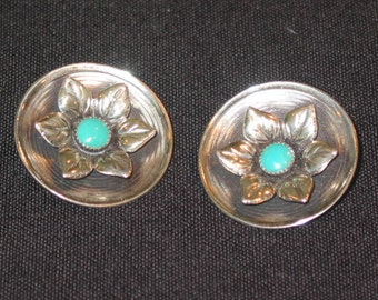 Sterling Silver disc clip on earrings a silver flower turquoise cabachon center