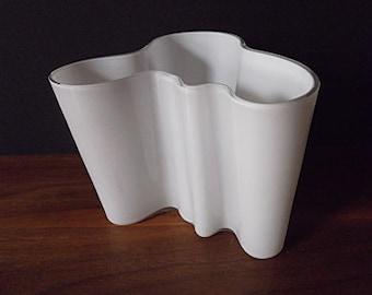 "Modernist Alvar Aalto Iittala ""Savoy"" White Cased Art Glass Free Form Vase"