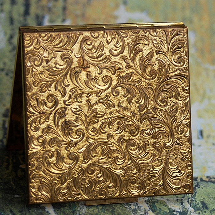 Vintage Makeup Compact From An Estate Sale Home Decor