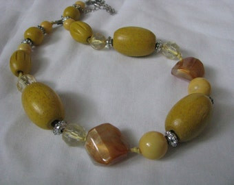 Vintage chunky yellow wood bead necklace with clear crystal bead accents